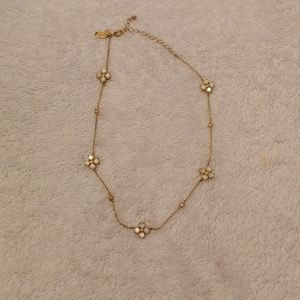 Kate Spade necklace. Pearl detail. Gold chain.